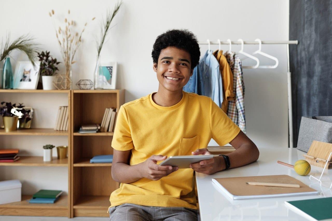 ¿Cómo puedo ayudar a mi hijo con sus clases virtuales? - Bilingual Bridges
