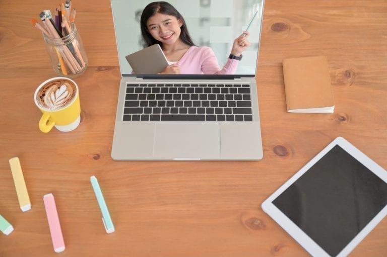 8 ventajas y desventajas de la educación en línea - Bilingual Bridges